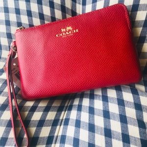 Coach leather wristlet new with tags